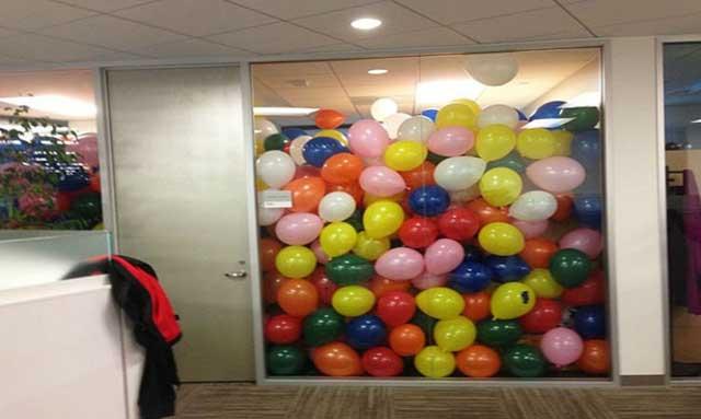 ballonnen 1 april kantoor