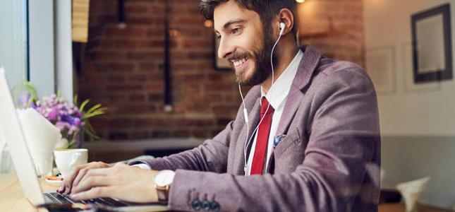 Muziek luisteren tijdens werk